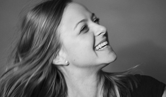 Glumica Marta Bereš piše za 021.rs: Ćutanje je hendikep