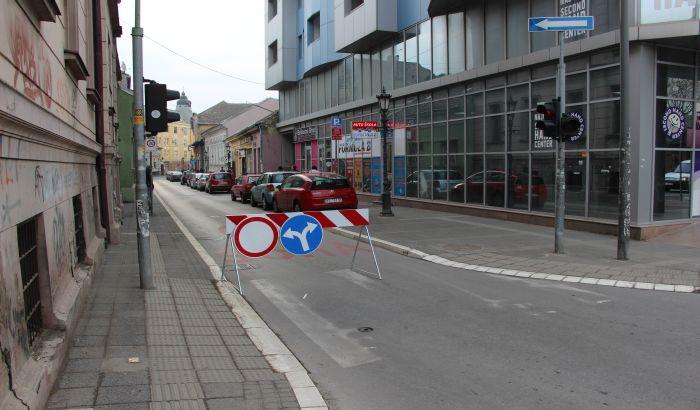 FOTO: Zatvorene ulice u centru zbog mitinga