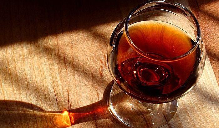 Britanski pab više ne služi francuska i nemačka pića