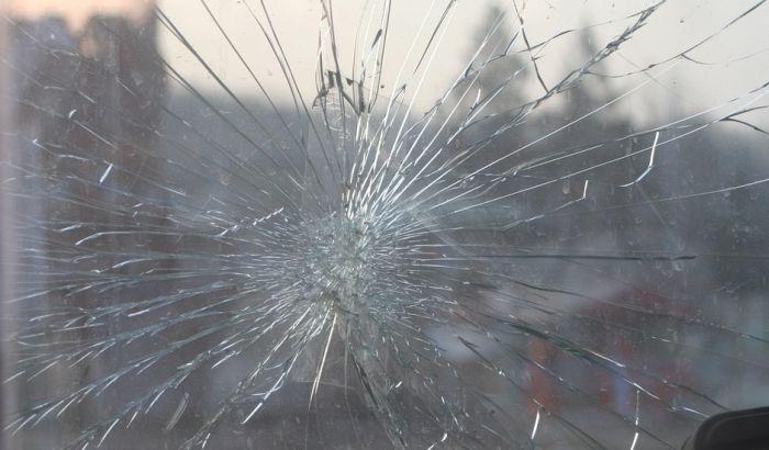 Preticao kamion i udario automobil u kojem su bile majka i beba