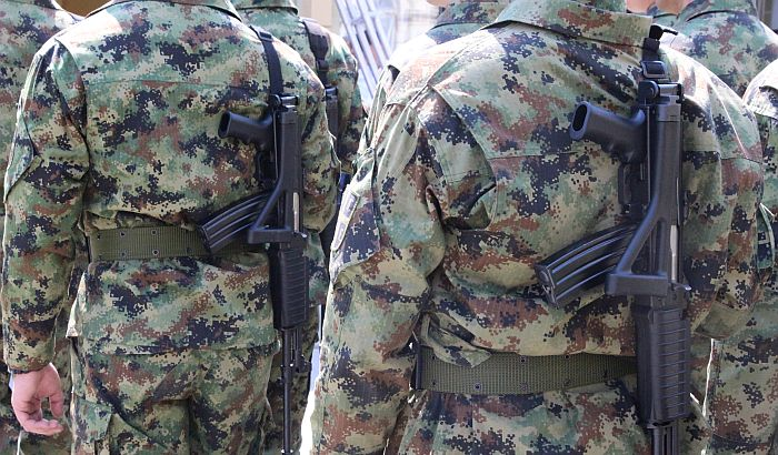 Vojni sindikat: Plata profesionalnog vojnika biće 55.000