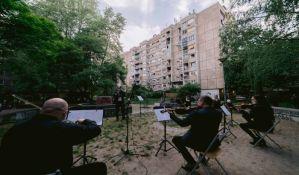 FOTO: Limanci aplauzima pozdravili naše muzičare, bis zbog