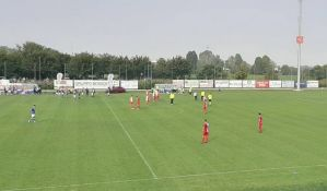 VIDEO: Prekinuta utakmica Vojvodine protiv Breše, navijači uleteli na teren zbog albanske zastave