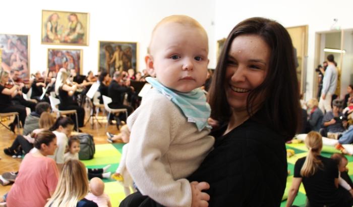 FOTO: Filharmonija svirala klasične numere bebama u Galeriji Matice srpske