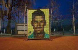 VIDEO: Napravljen mozaik od 2.177 teniskih loptica sa likom Novaka Đokovića