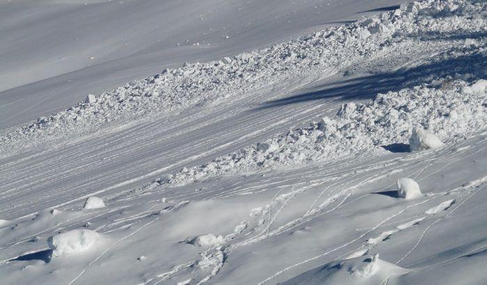 Sedam osoba nestalo u lavini na Himalajima