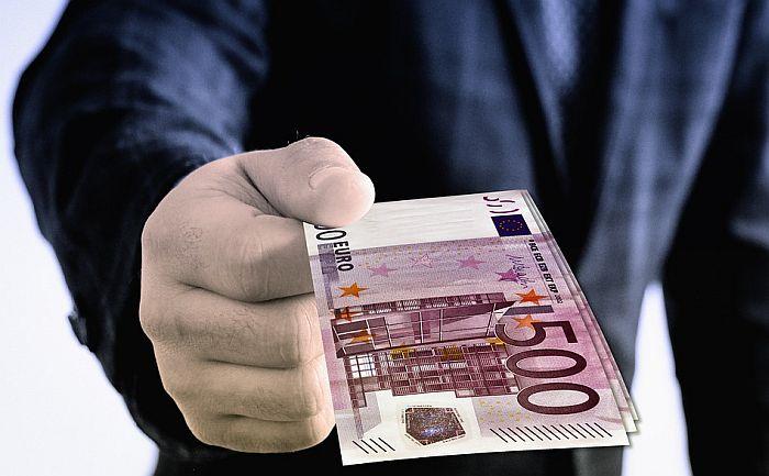 Grčka platom od 3.000 evra