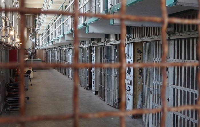 Asanžov otac: Džulijan životno ugrožen u zatvoru
