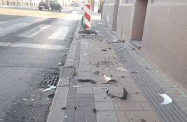 Vozilo završilo na krovu u udesu u Jovana Subotića, dva sudara u dva minuta na Čeneju