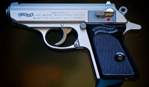 Ukradeni pištolji korišćeni u filmovima o Džejmsu Bondu