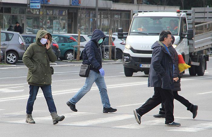 Manje od polovine građana Srbije u strahu od virusa korona, trećina nosi masku kad je napolju