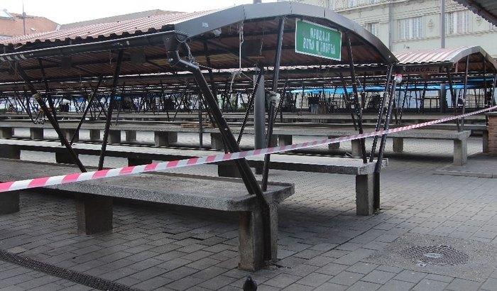 Pijace u Novom Sadu zatvorene, prodavci se snalaze na