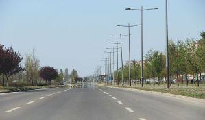 Zelene površine na Bulevaru Evrope postaju parking, drveće ostaje