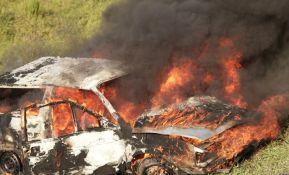 Zapalilo se vozilo na autoputu Novi Sad - Beograd, kilometarska kolona kod skretanja za Inđiju