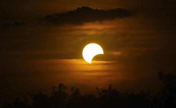 Pomračenje Meseca u noći između utorka i srede