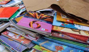 Namera države da priprema udžbenika iz tri značajna predmeta problematična
