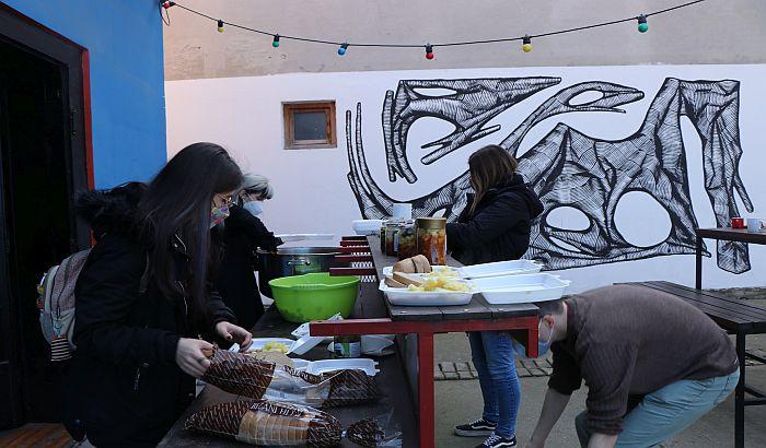 Gde zakaže država, tu su dobri Novosađani: Ne dozvolite da vam komšije budu bez hrane na stolu