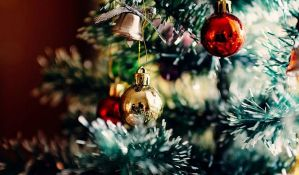 Prodavnica zabranila moderne božićne hitove zbog zdravlja zaposlenih