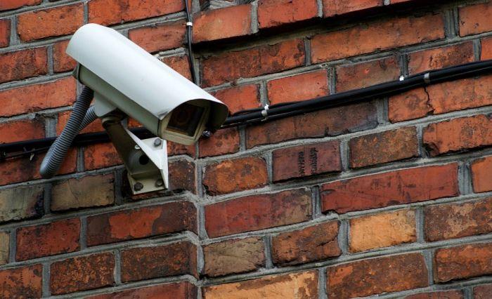 I u Novom Sadu prolaznike na svakih nekoliko metara snimaju kamere