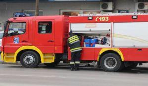 FOTO: Još jedan požar u okolini Novog Sada, gori trska kod Sremskih Karlovaca