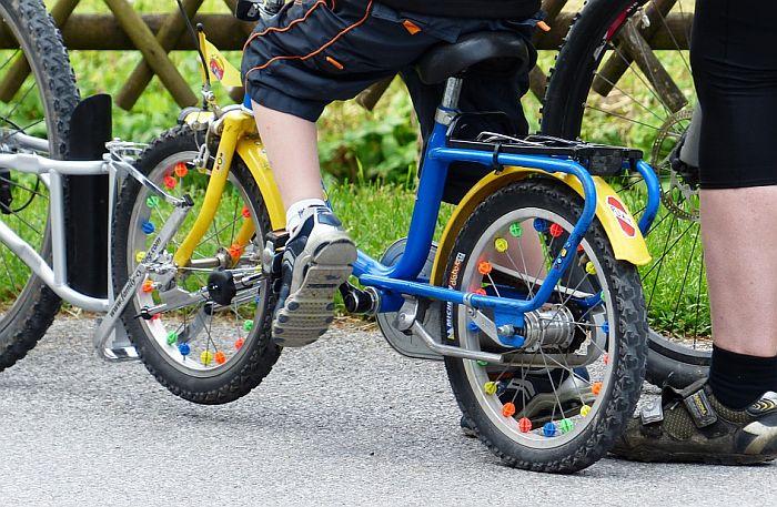 Deca roditelja koji ostave duvan od grada dobijaju bicikl na poklon