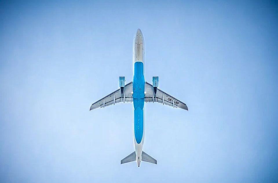 Kvar na avionu Priština-Bazel izazvao paniku putnika, jedno dete se onesvestilo