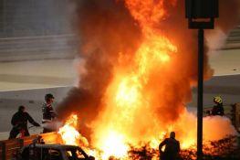 VIDEO: Grožan preživeo jezivi udes na trci u Bahreinu, na vreme se spasao iz zapaljenog bolida