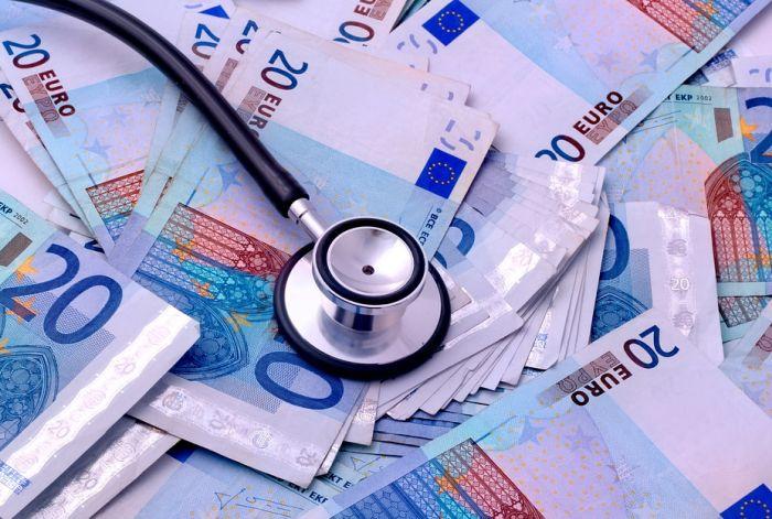 Kazne za one koji vrbuju medicinare u Srbiji i odvode ih u inostranstvo od 500 do 1.400 evra