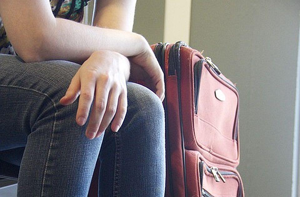 Putnici u Tivtu više od šest sati čekali da polete za Beograd