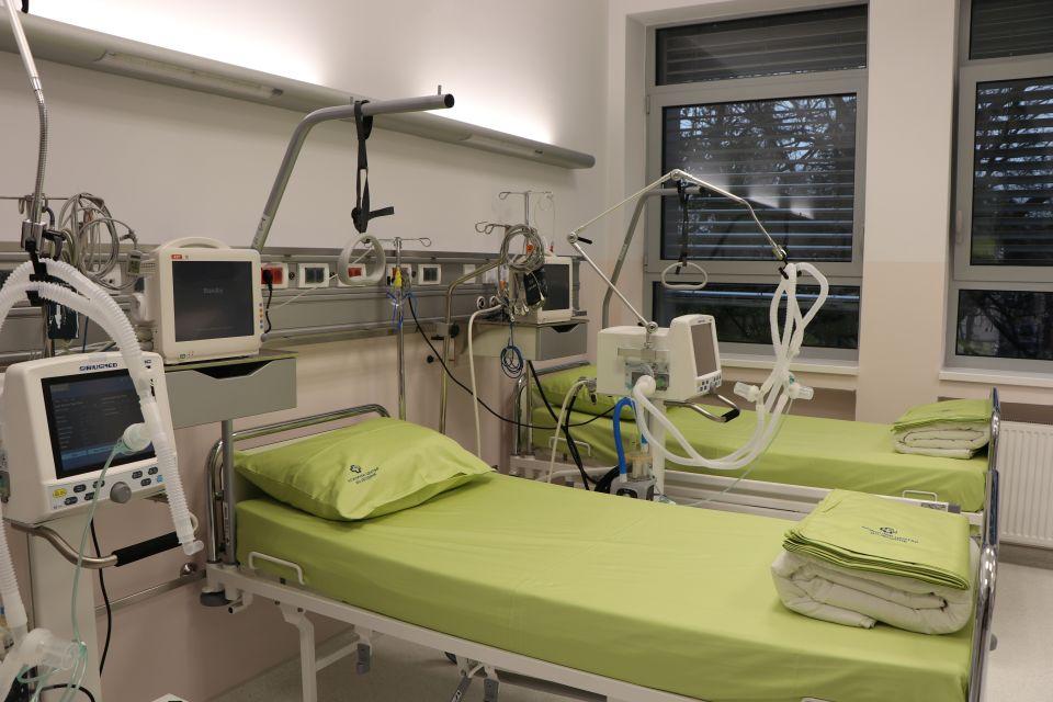 Za sve tri kovid bolnice samo jedan glavni dobavljač opreme