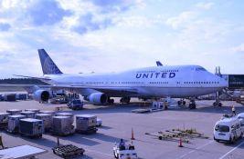 Dve američke avio-kompanije neće zapošljavati one koji nisu vakcinisani