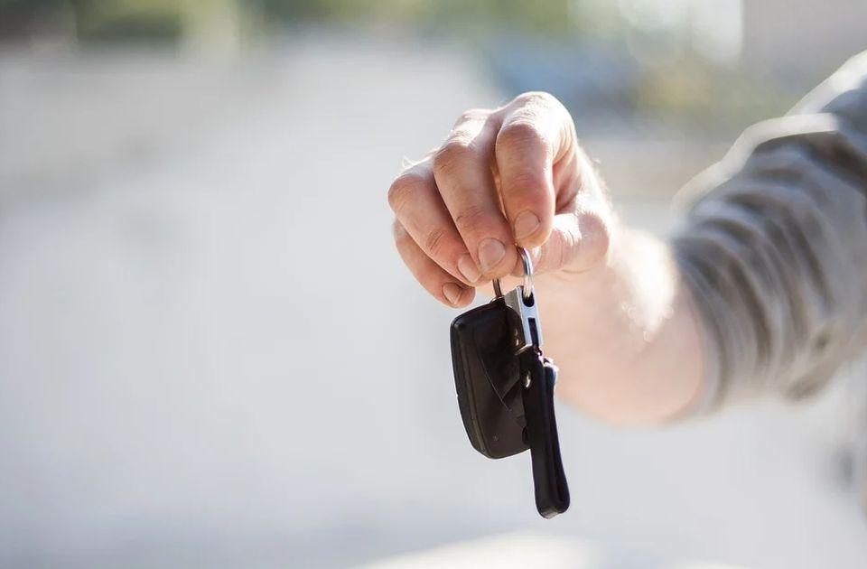 Kupovina automobila naglo porasla i zatekla prodavce: Nema dovoljno novih vozila za sve