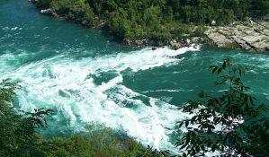 Pozivaju na radnu akciju uklanjanja cevi MHE iz reke u Rakiti