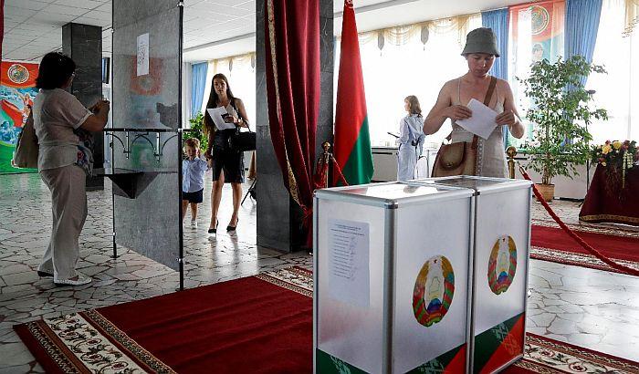 Pojačane bezbednosne mere u Minsku, problemi s internetom
