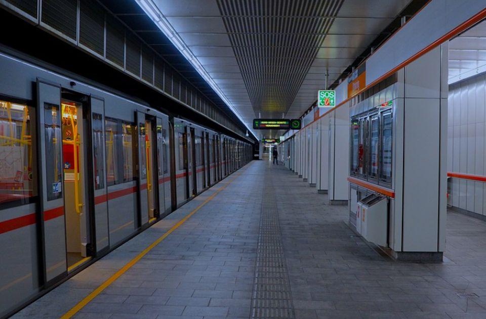 Državljanin Srbije učestvovao u tuči u bečkom metrou, jednom studentu odgrizao deo uveta
