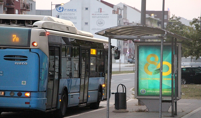 Izmena trasa pojedinih autobusa zbog Novosadskog maratona