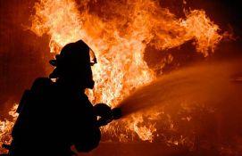 VIDEO: Slavljeničkom bakljadom u Kotoru zapalili bedem pod zaštitom Uneska