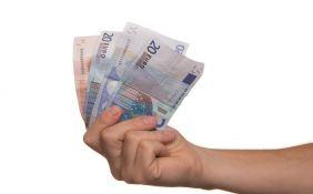 Pomoć od 100 evra može podići i neko drugi uz punomoćje