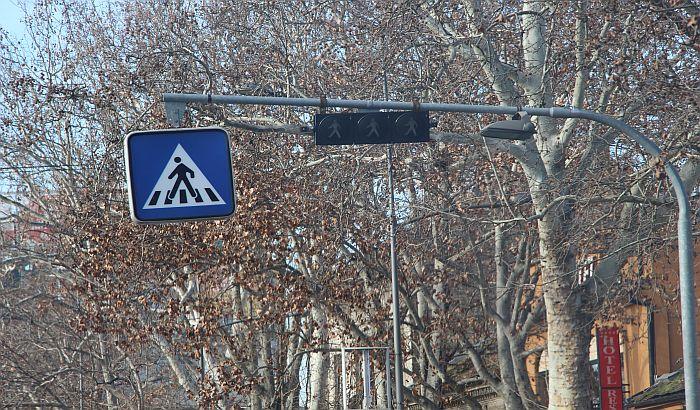 Pokrenuta procedura postavljanja semafora na uglu Bulevara cara Lazara i Stevana Musića