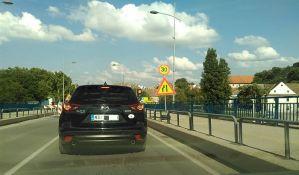 Naizmenično propuštanje vozila na Varadinskom mostu zbog radova