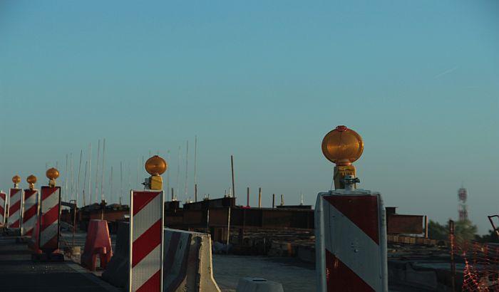 Radovi na Sentandrejskom mostu će trajati bar do polovine januara 2019.