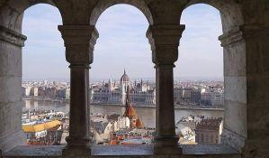Mađarska zatvara prodavnice i škole zbog širenja korone