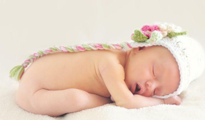 Koliko se beba rodi uz pomoć vantelesne oplodnje?