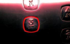 Vršačka bolnica dobila novi lift, pacijente više neće morati da nose na rukama