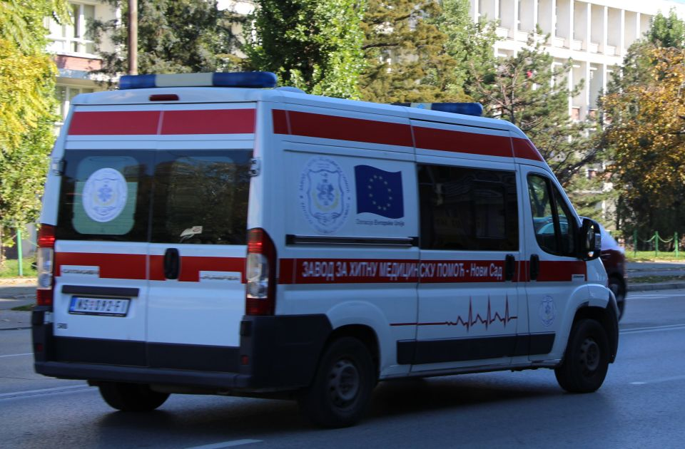 Muškarac poginuo prilikom izletanja automobila sa puta Futog - Begeč