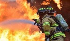 Požar u Subotici: Tinejdžer zadobio opekotine, izgorela kuća