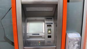 Sa bankomata građani juče podizali u proseku po 14.000 dinara