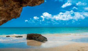 Grčki lekari prognoziraju da će u julu moći da se ide na plažu