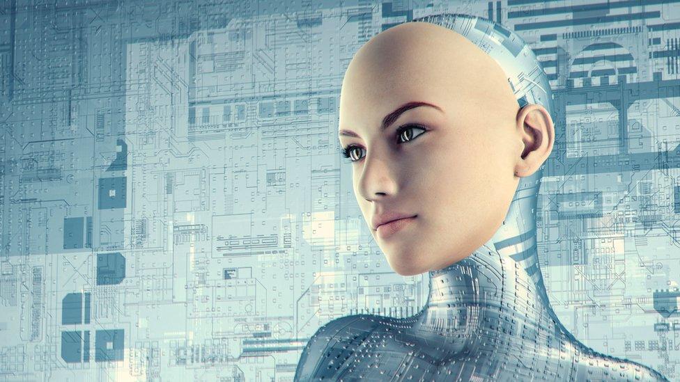 Veštačka inteligencija: Kako virtuelne asistentkinje odgovaraju na uvrede i seksualne aluzije klijenata