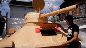 Kako izgleda drveni tenk T-34 u prirodnoj veličini